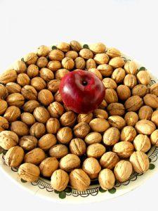 Cholesterol Down Recipe: Apple and Nut Sweet Treat