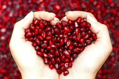 Eat POMEGRANATE SEEDS-Stay Forever Young (at Heart)